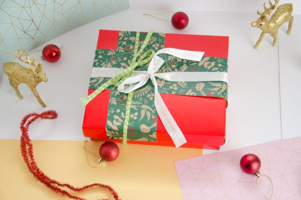 Xmas Package red-1